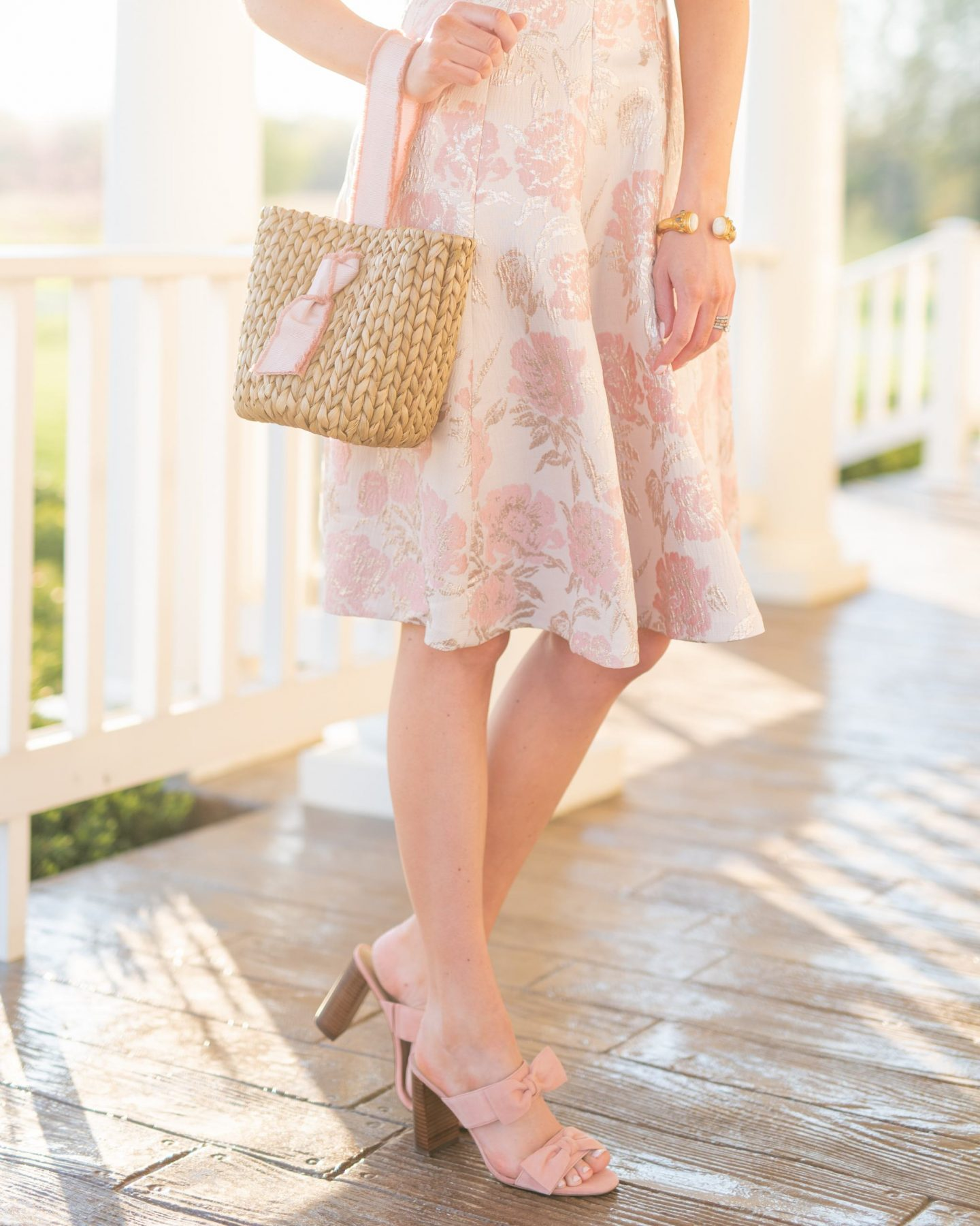 girl in women's fashion gal meets glam dress / pamela munson bag / karen walker sunglasses